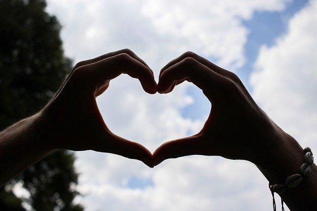 Simbol Perasaan Cinta (Untuk Contoh Soal)